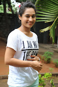 Pooja Ramachandran Glamorous photos-thumbnail-6