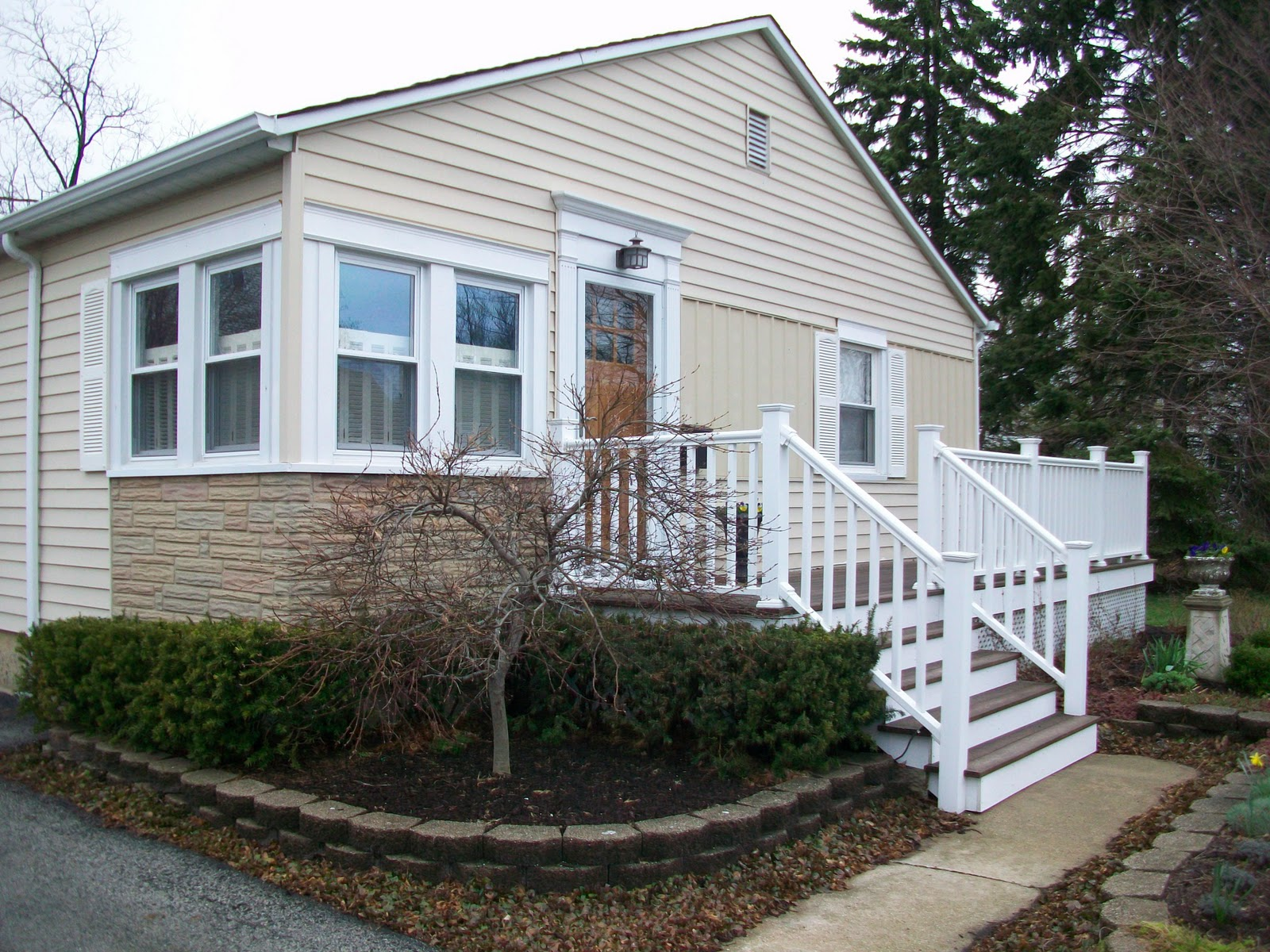 Sixty fifth avenue craftsman style cottage for Cottage siding
