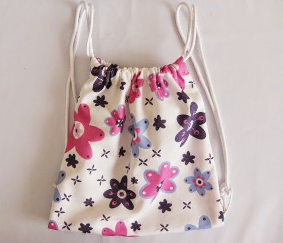 Ilatela diy c mo hacer una mochila infantil de tela for Como colocar una mochila de inodoro