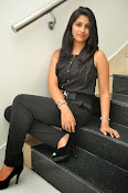 Kruthika Jayakumar gorgeous photo2-thumbnail-13