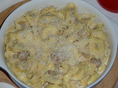 Tortellini com molho de natas e cogumelos