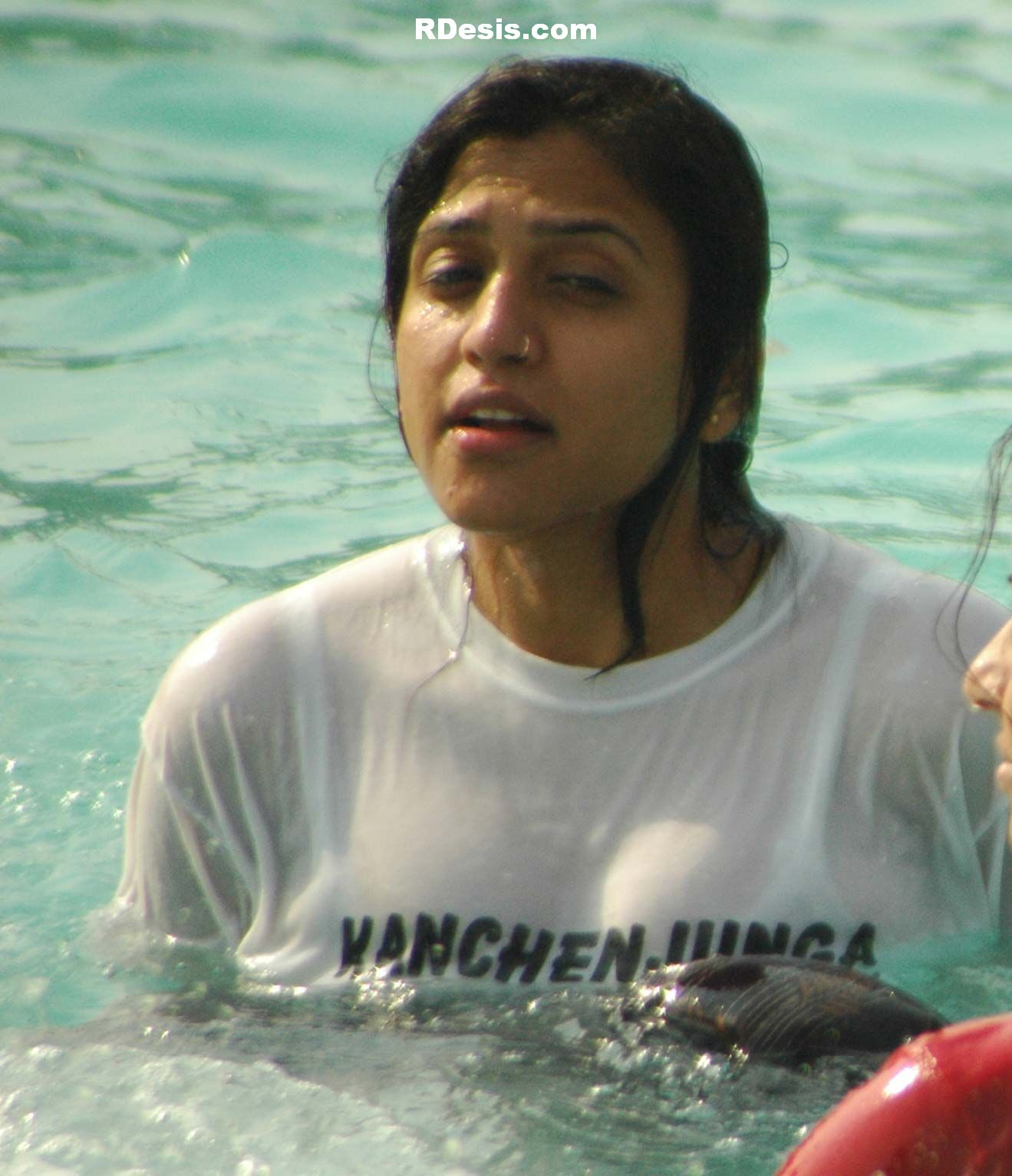 Hot In Water : Actress hot images indian girls in water