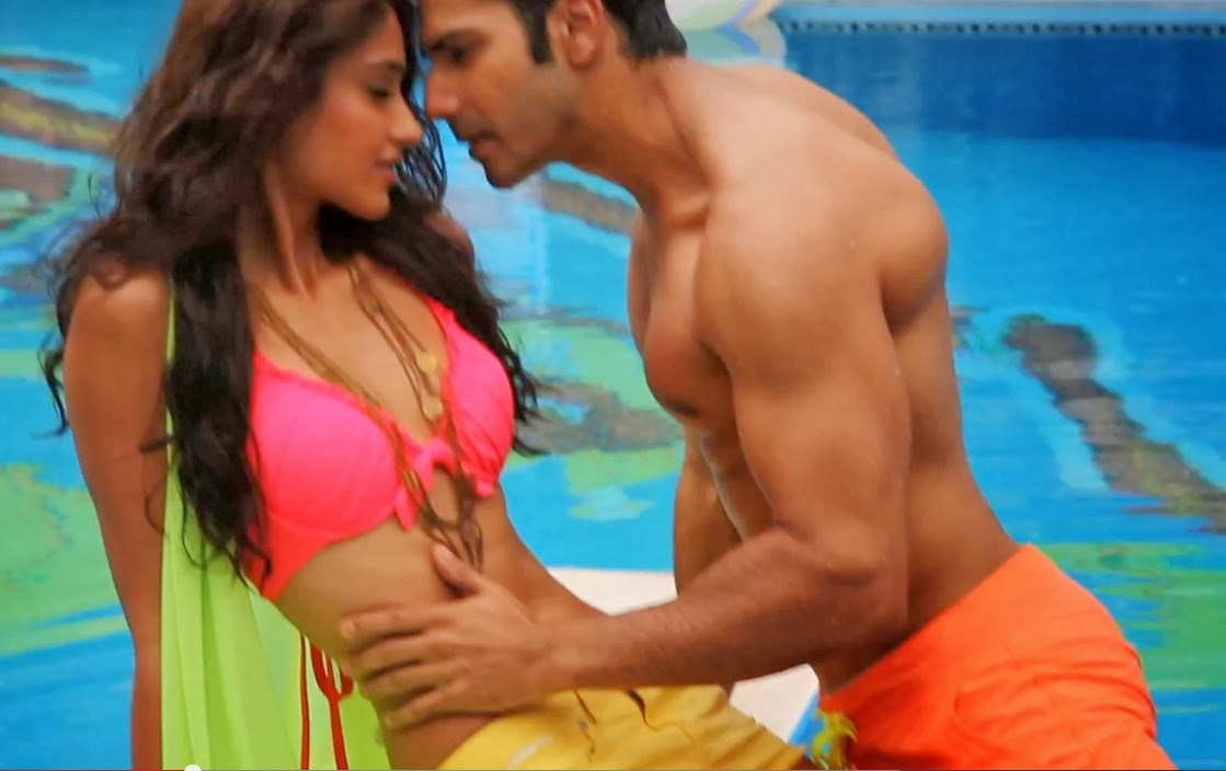 Nargis hot in main tera hero
