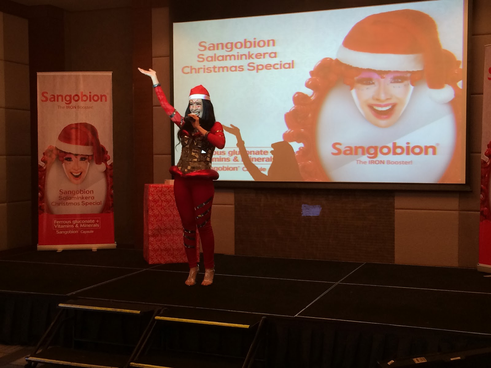 Manila Fashion Observer 2013 Sangobion Capsul A Christmas