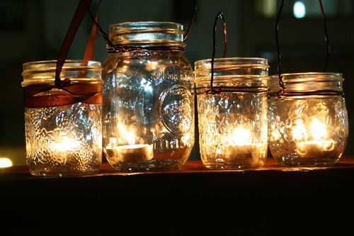 for those fall and summer night receptions Simple mason jars with tea