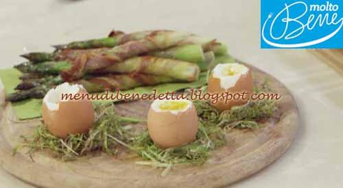 Asparagi croccanti con uova alla coque ricetta Parodi per Molto Bene su Real Time