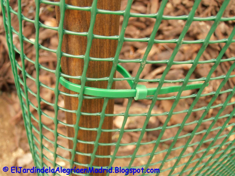 Tela plastica para jardin materiales de construcci n - Mallas para jardin ...