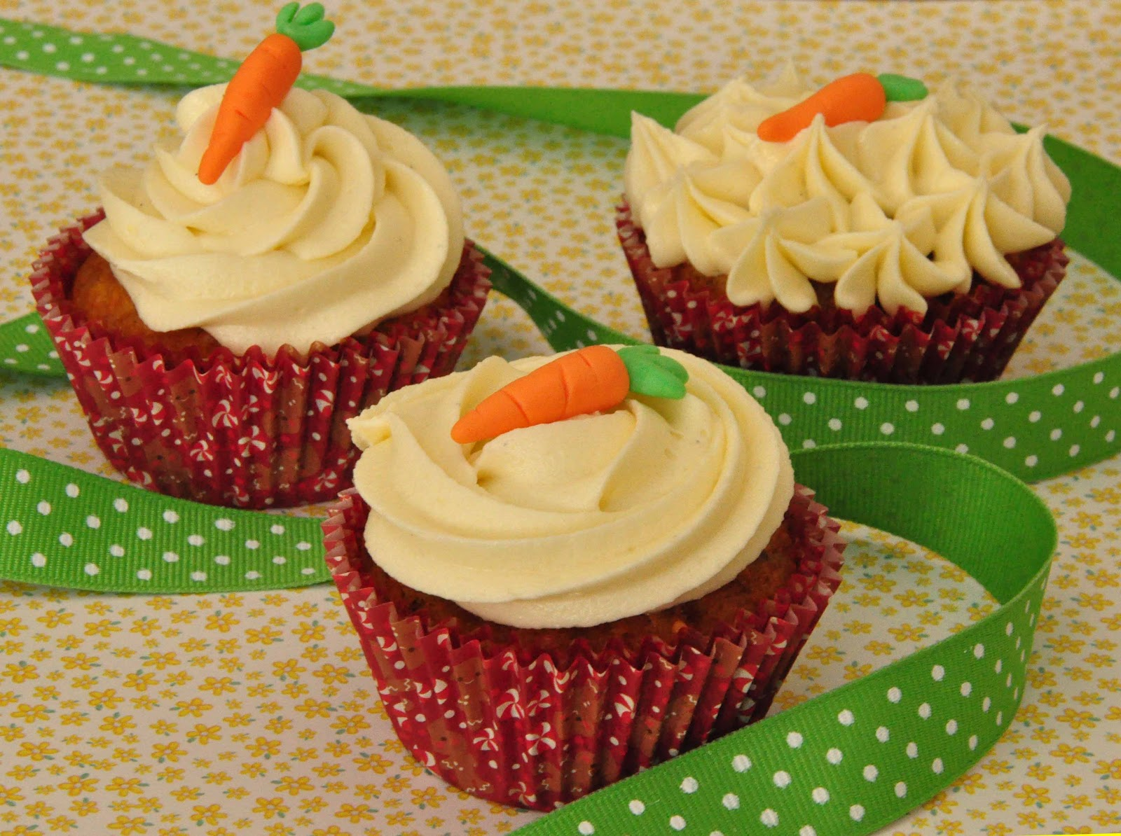 Cake Trails...: Carrot cupcakes with cream cheese frosting ...