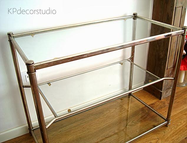 Aparador de diseño vintage años 70 metal cromado para colocar televisión o como mesa de centro o recibidor