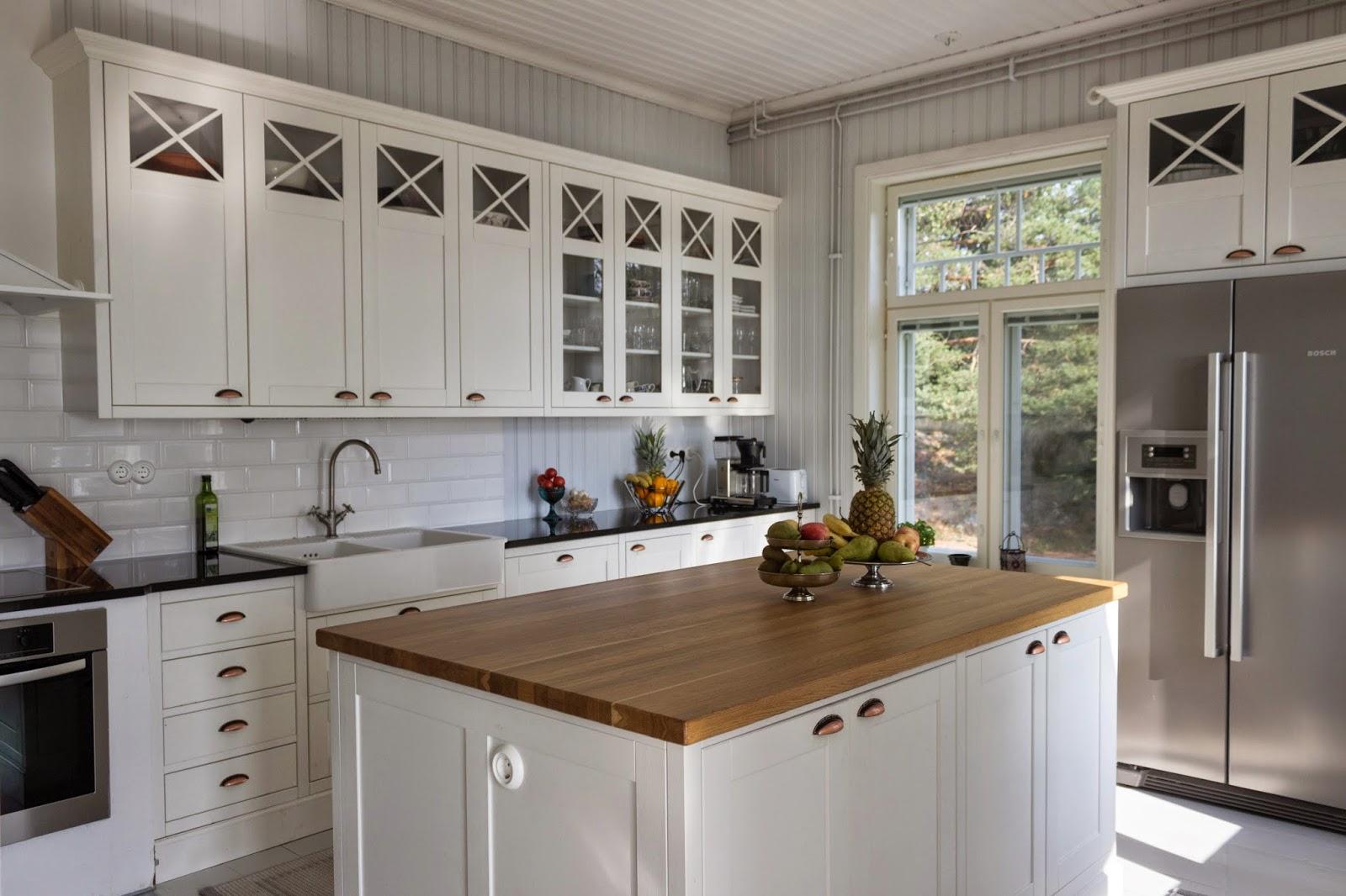 Maalaisromanttinen keittiö, country kitchen