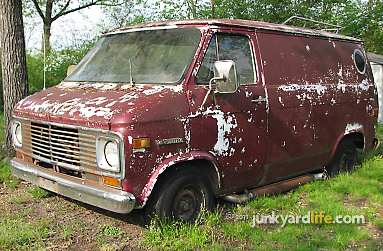 Cars In Yards Groovy 1970s GMC Vandura Van Begs For Rebirth At 41st Vannin Nats