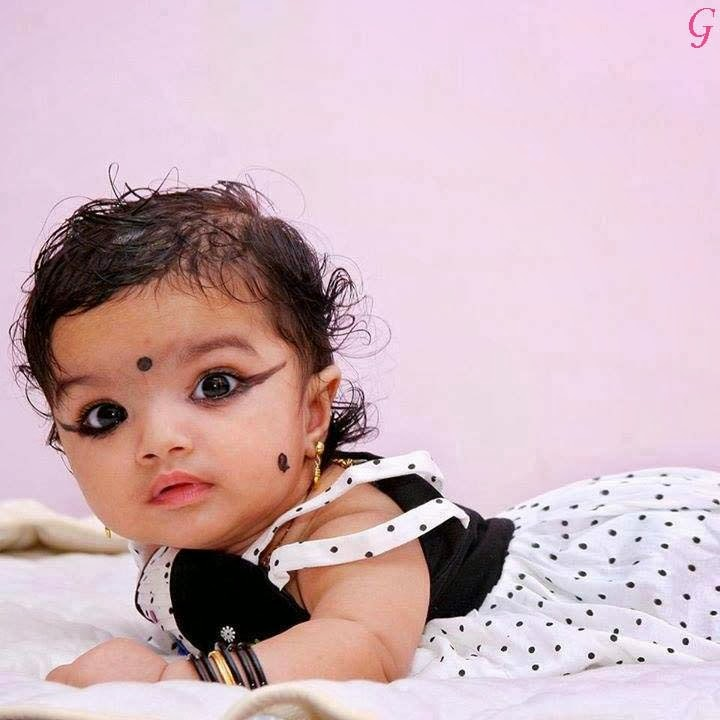 Cute Smile Baby Pictures-Kids Wallpapers