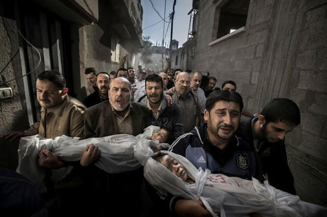 funeral procession of kids at gaza strip