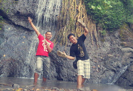 Aku dan Dony photo di Air Merambat Roro Kuning
