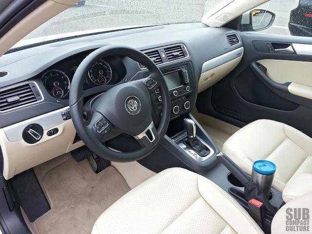 2013 Volkswagen Jetta Hybrid SEL interior