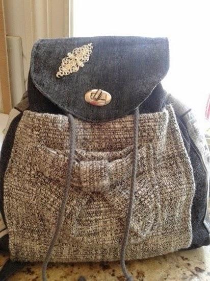 mochila realizada con tela vaquera
