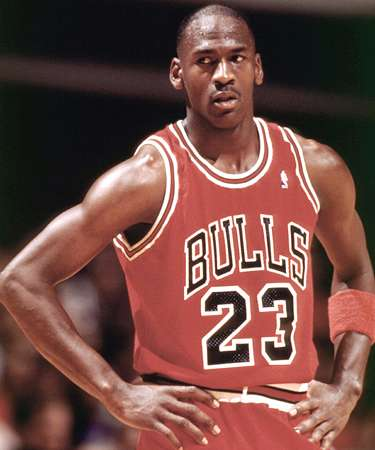 michael jordans outstanding achievements in sports In this michael jordan biography i will be discussing an nba icon that is arguably the greatest sports legend of all time there is no one man greater than the great michael jordan.