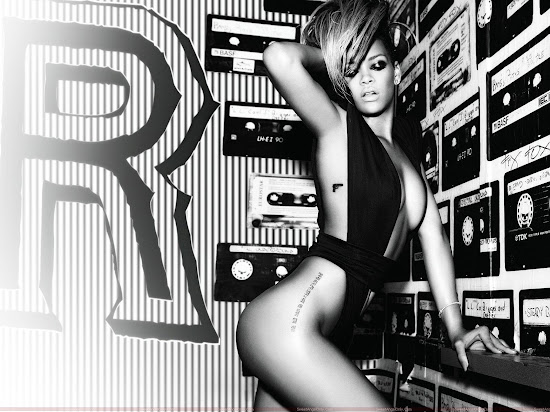 rihanna_hot_wallpaper_in_black_Fun_Hungama