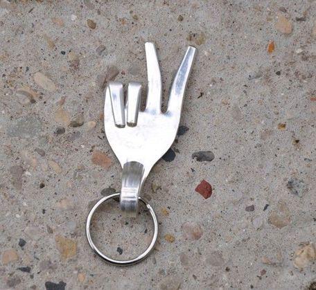 Membuat gantungan kunci dari garpu sendok