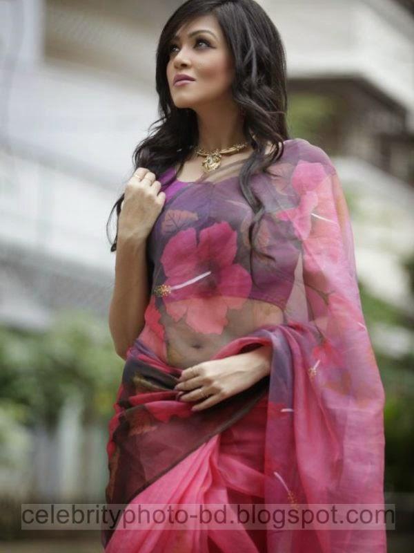 Beautiful+Girls+Puja+Celebration+Stylish+Dressup+In+Saree006