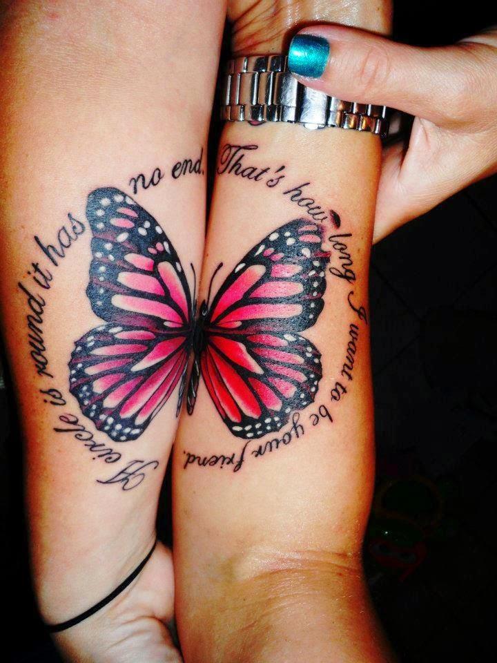 tatuaje de una mariposa en el brazo de dos amigas que l unirse forman una mariposa