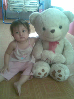 AriAnA and iJaT beAR ;)