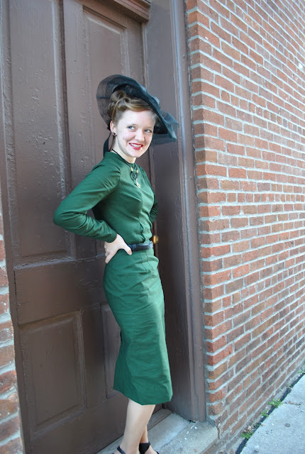 Flashback Summer: New Dress Debut- McCall's 5517 1960s pattern, with 1940s style