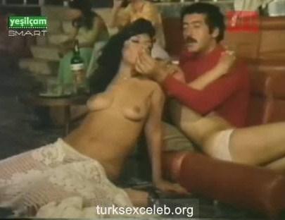 Zerrin Doğan Yeşilçam Pornosu  Porno Sikiş Porno izle