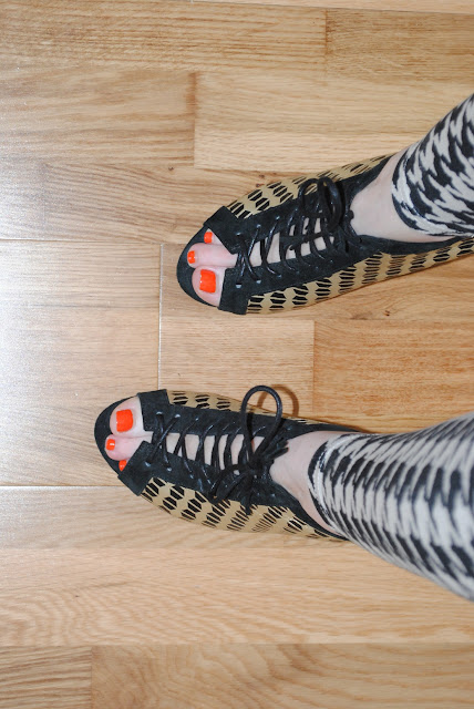 H&M Leggings and Kurt Geiger Shoes