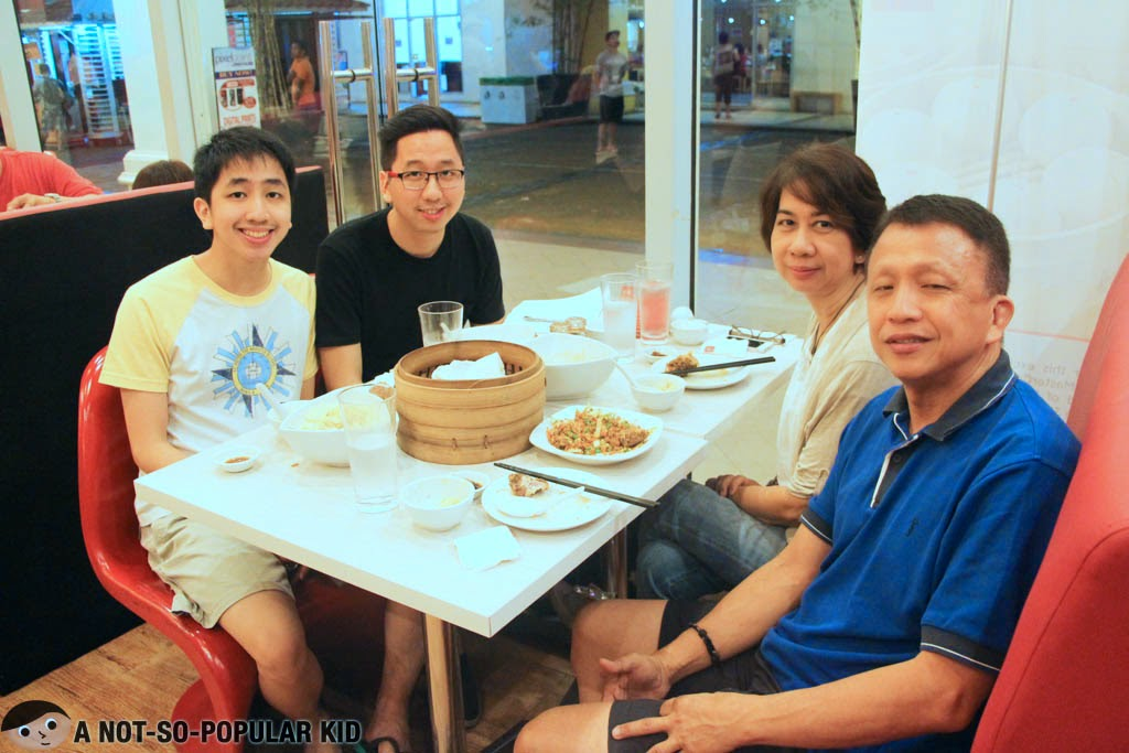 A Not-So-Popular Kid (me) with the fam here in Shi Lin