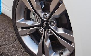 Hyundai veloster car 2012 tyres/wheel - صور اطارات سيارة هيونداى فيلوستر 2012