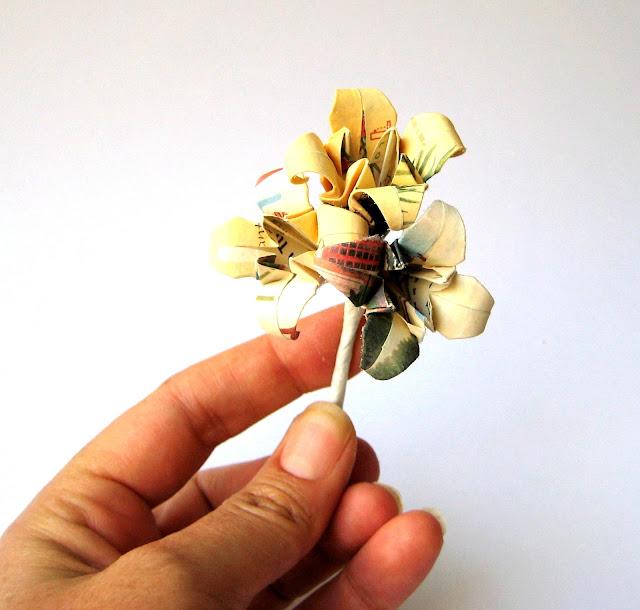 lilies-paper-brooch