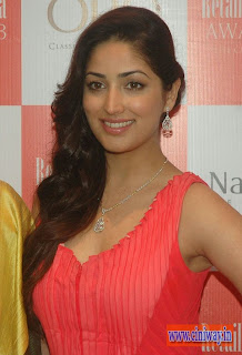 Yami-Gautam-at-9th-Retail-Jeweller-India-Awards