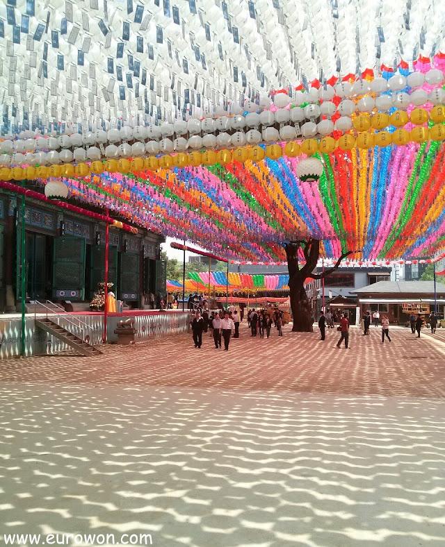 Faroles por el Cumpleaños de Buda en el templo Jogyesa de Seúl