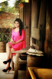 Bagya Hettiarachchi pink gal deka