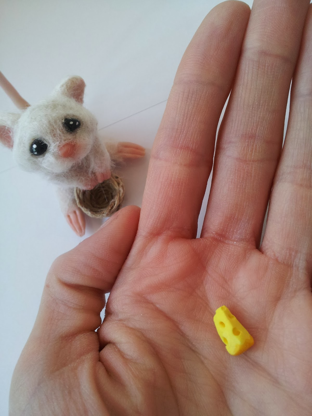 """ooak mouse topo """"cappuccetto rosso"""" """"Little Red Riding Hood"""" miniature handmade topolino"""