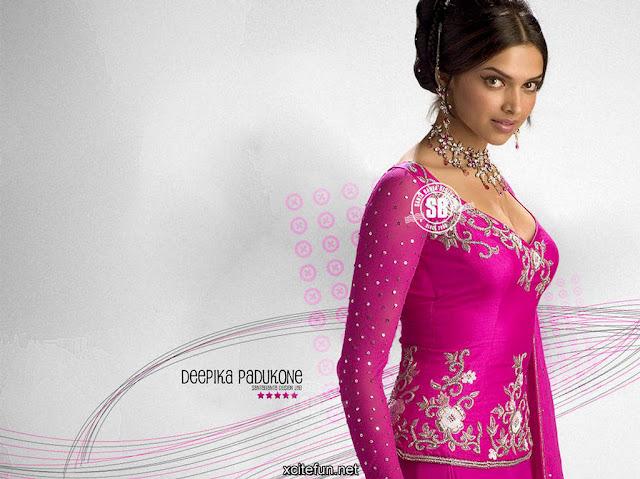 Deepika Padukone In Om Shanti Om dress