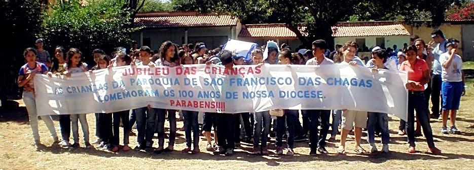 MINE FRANCISCANOS DO DISTRITO DE CARIRI COMEMORAM O CENTENÁRIO DA PAROQUIA DE CRATO