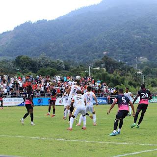 Atlético Vega Real y Atlético Pantoja ganan en inicio semis