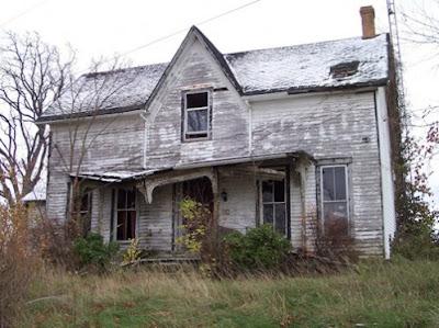 Resultado de imagem para casa abandonada