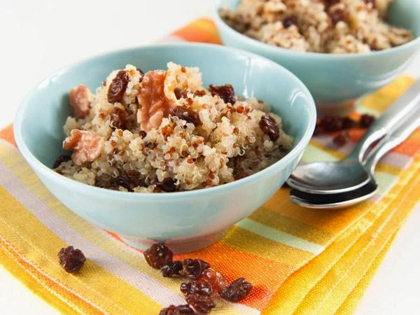 Breakfast Quinoa with Bananas and Pecans -> Recipe In Article