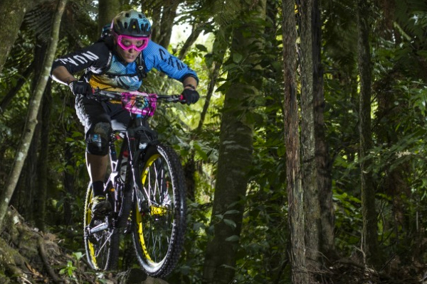 Canyon Factory Enduro Team: 2015 Ep 1 Ines Thomas in Rotorua