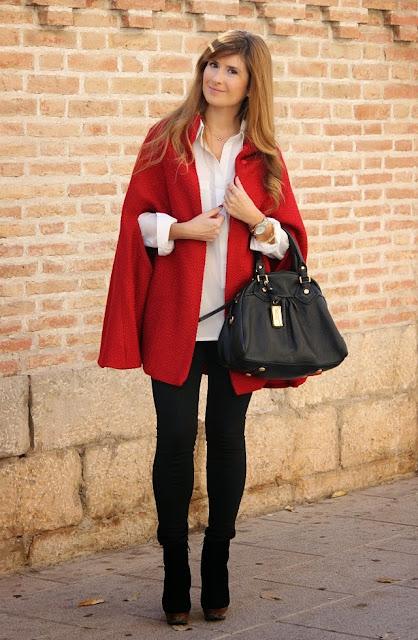 http://1.bp.blogspot.com/-QhLp8OAzP0o/Uqd8IwqAN1I/AAAAAAAASBs/uxxvRzZekHo/s1600/look_con_capa-bolso_marc_hacobs-a_trendy_life-4.JPG