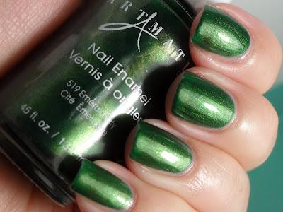 Layering Fun - Cult Nails Toxic Seaweed & Artmatic Emerald City