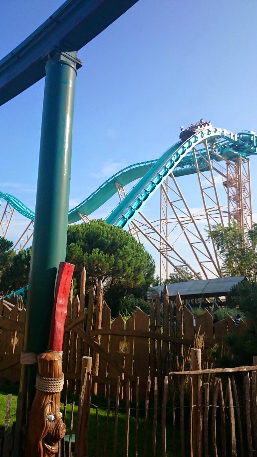 super splash w europa park,park rozrywki,łódki w parku rozrywk