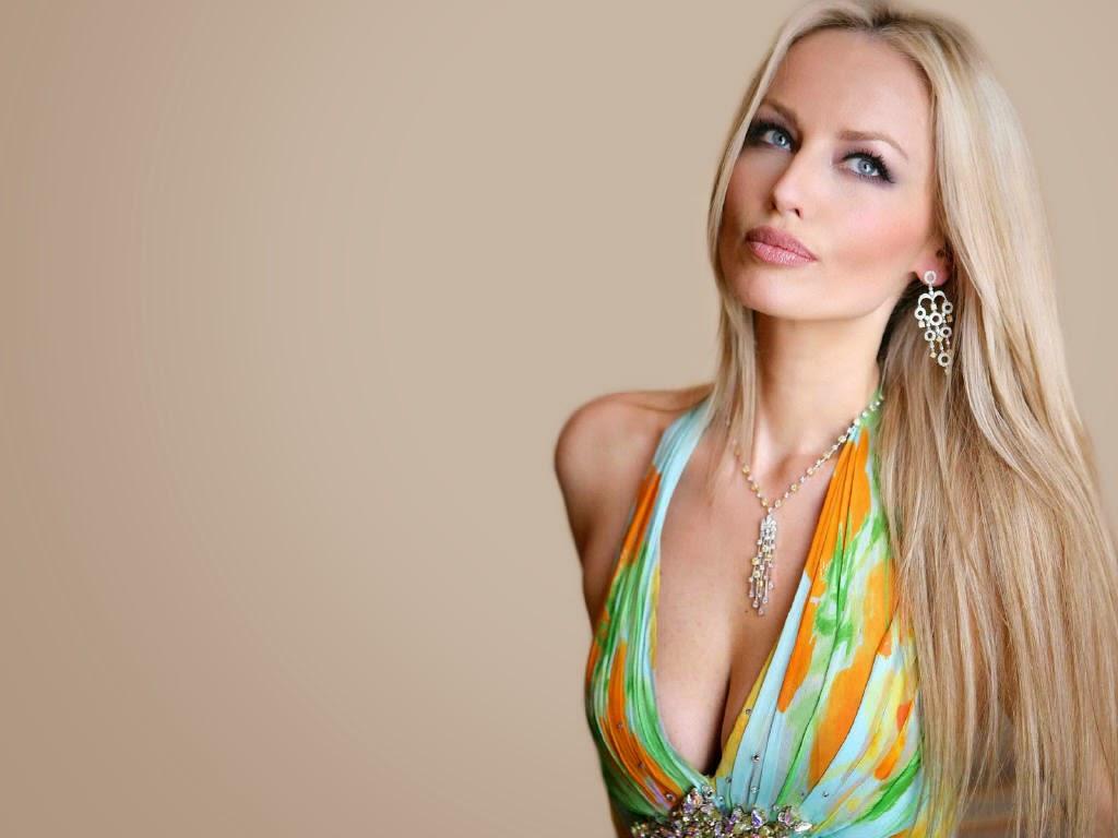 Adriana Sklenarikova Wallpapers Free Download