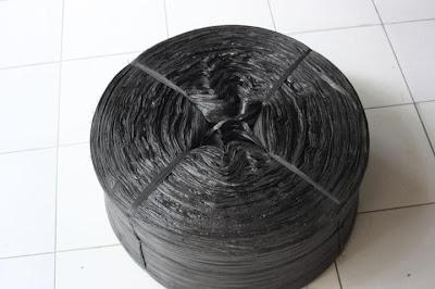 Tali Rafia Roll Hitam
