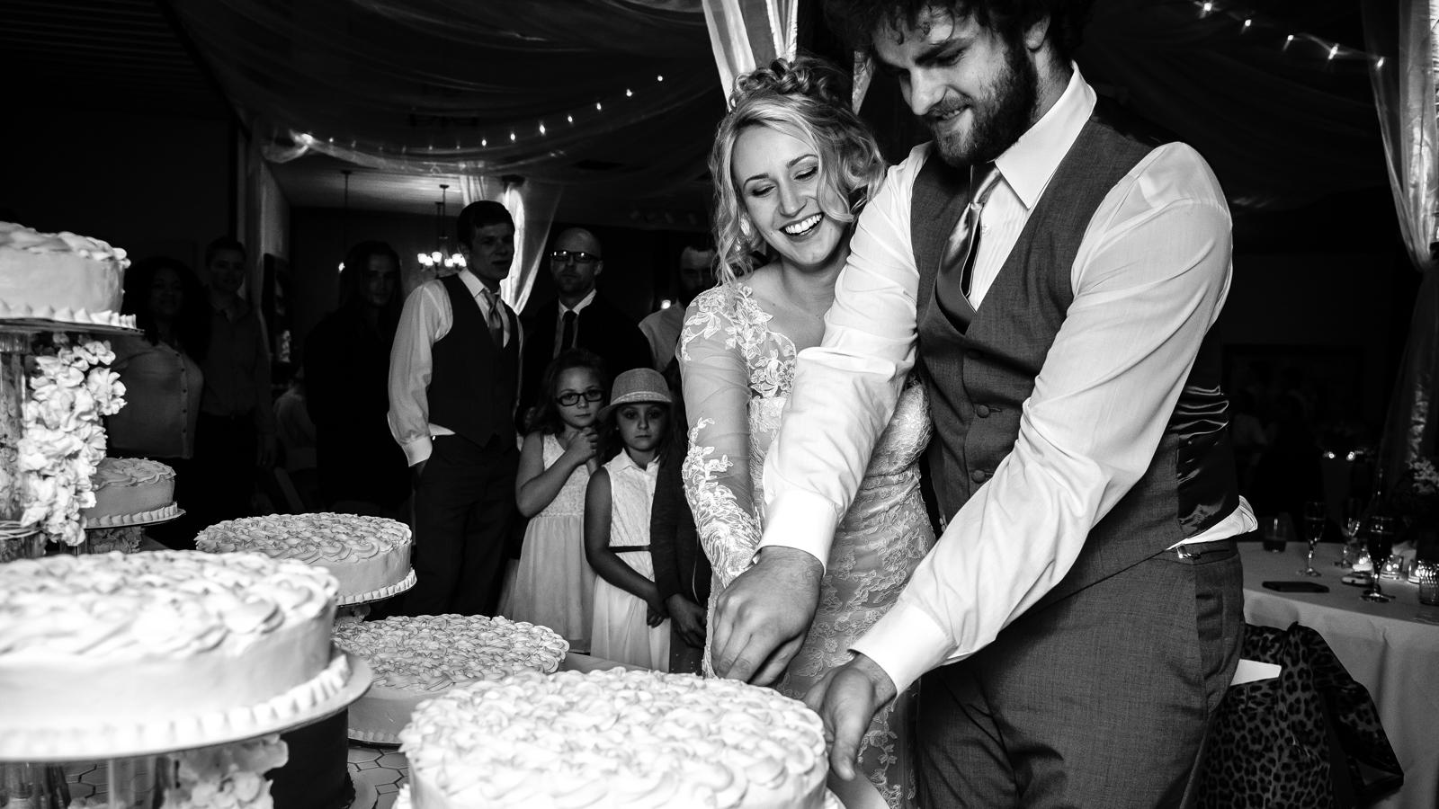 wedding cake / photography Braden Tenney