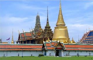 Kuil Buddha Zamrud - Wat Phra Keaw | Paket Tour Murah ke Thailand 2013