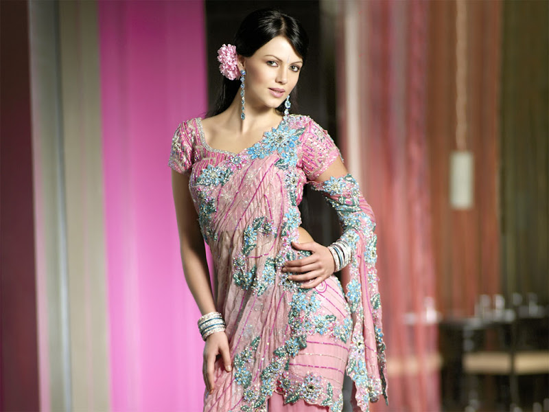 Yana Gupta latest Wallpapers  Cute girl in typical indian wears hot photos
